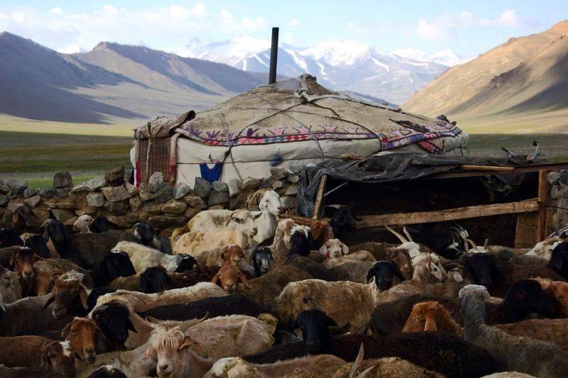 Jurta w górach Pamiru