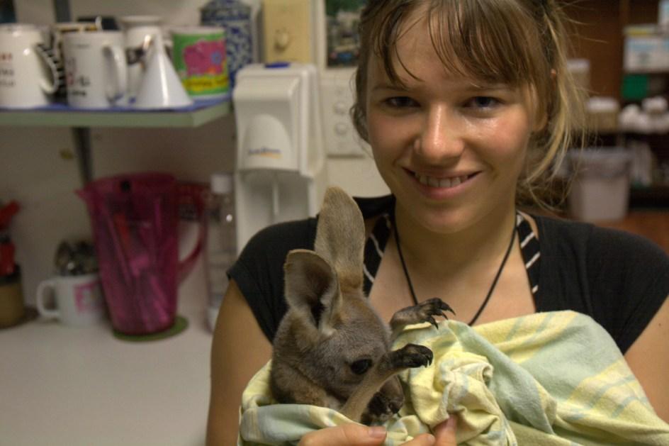 Ania ze swoim małym pacjentem. (Fot. Tomasz Marchewka)