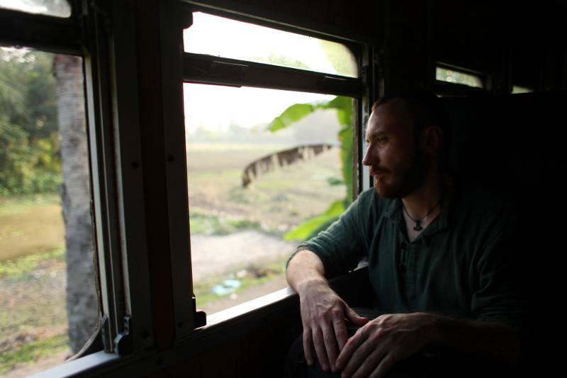 Podróż pociągiem przez Bangladesz