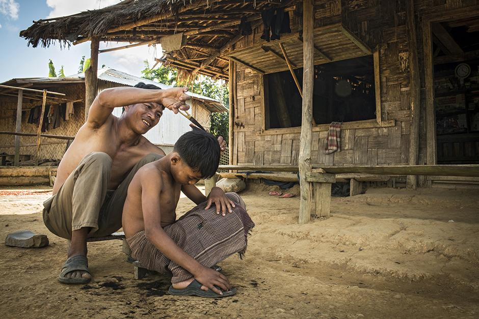 Postrzyżyny w wiosce - zdjęcia z podróży do Bangladeszu