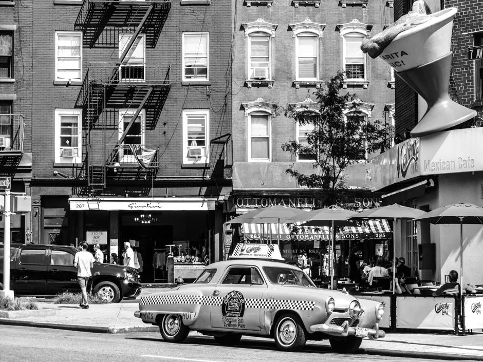 Taksówka w Nowym Jorku - zdjęcia czarno-białe