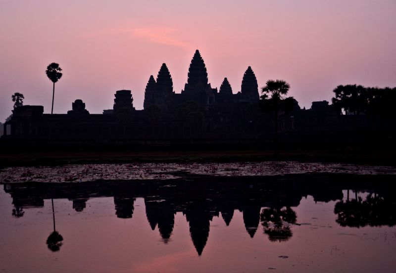 Wschód słońca w Angkor Wat - podróż do Kambodży