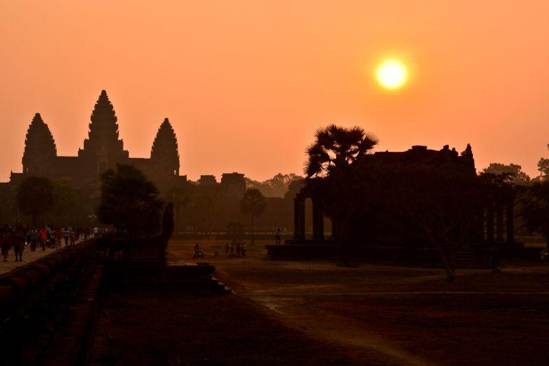 Podróż do Kambodży - Angkor Wat o wschodzie słońca