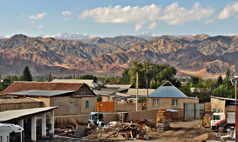 Wieś w Kirgistanie - foto z wyprawy