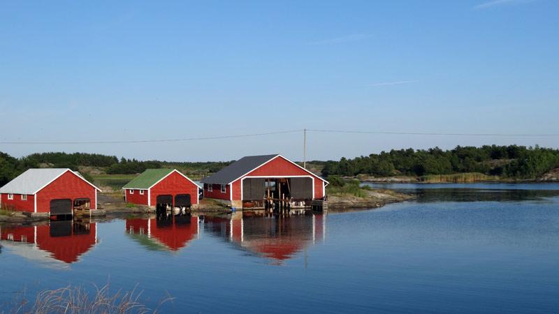 Finlandia - garaże dla łódek na Wyspach Alandzkich