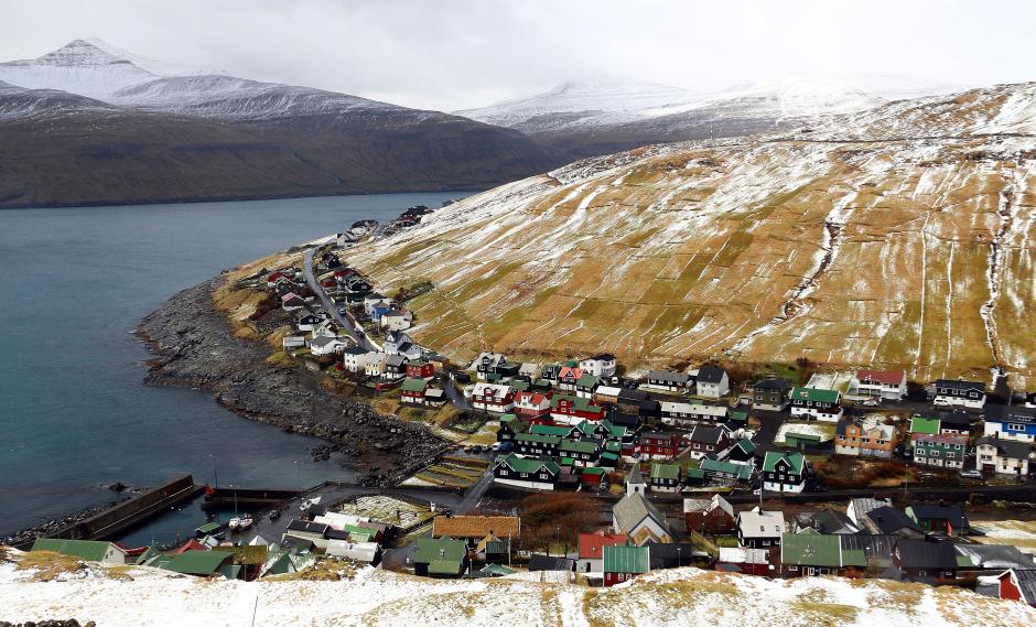 Widok na osadę Kvivik - zdjęcia z Wysp Owczych
