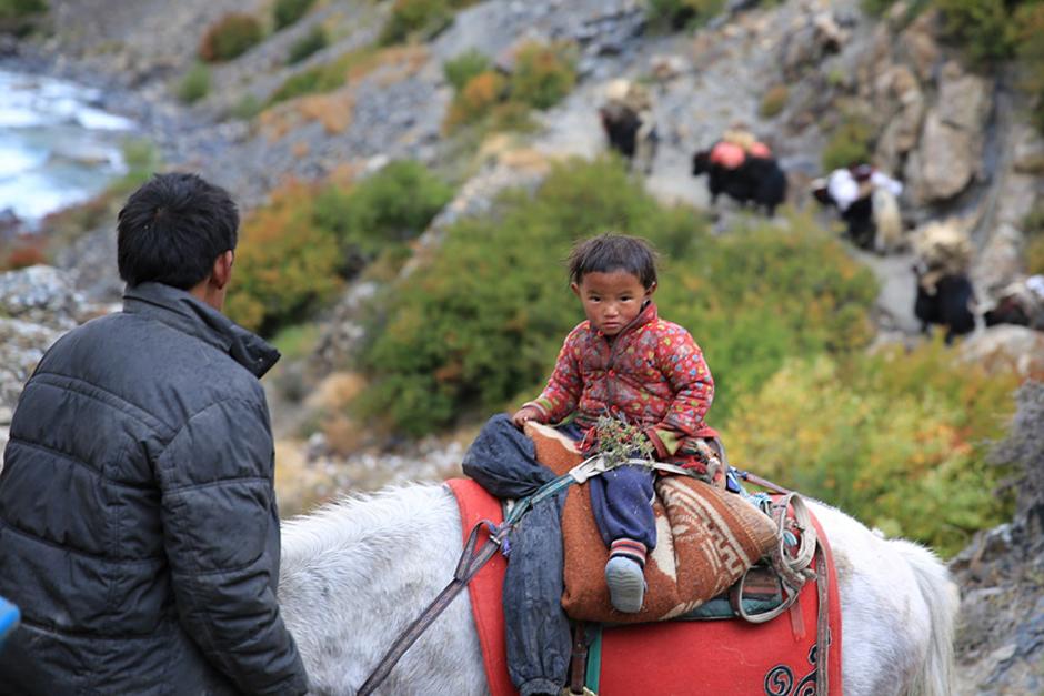 Dzieci Nepalu - fotogaleria na Dzień Dziecka