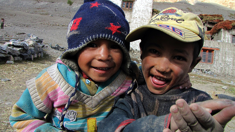 Nepalskie dzieciaki - Fot. Bartek Mailnowski