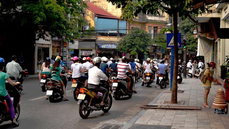 Skutery i motocykle w Hanoi