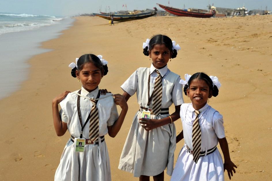 Dziewczyny na plaży w Puri