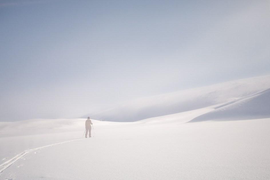Podróż na nartach przez Laponię