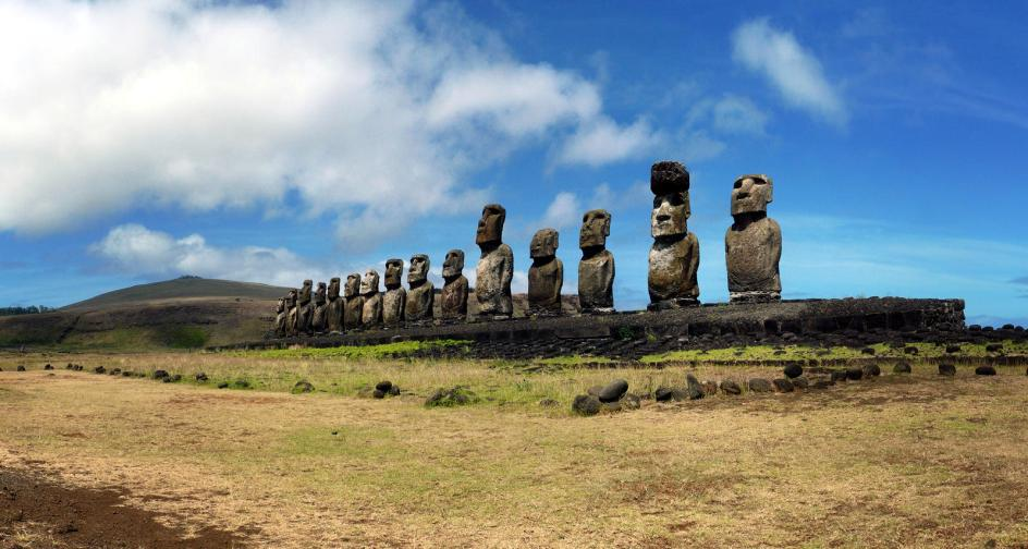 Tongariki - posągi moai na Wyspie Wielkanocnej