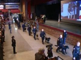 Cientos de policias homenaje a Jethro