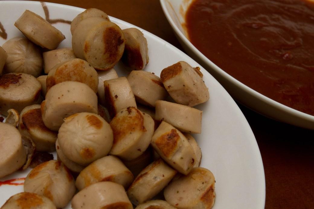 Currywurst: Antes de mezclar con la salsa