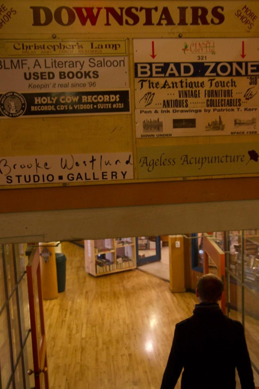Down Under, la parte del mercado de Pike Place que se encuentra bajo la planta principal, Seattle, EE.UU.