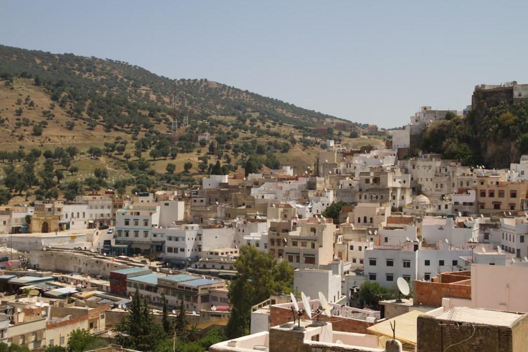 Vista de Moulay Idriss desde la terraza de la Maison d'Hôtes La Colombe Blanche