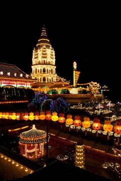 Templo Kek Lok Si durante el año nuevo chino, isla de Penang, Malasia