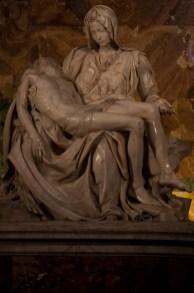 La Piedad de Miguel Ángel, Basílica de San Pedro, Ciudad del Vaticano.