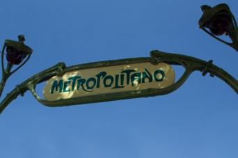 Entrada estilo Guimard del metro de Lisboa, Portugal