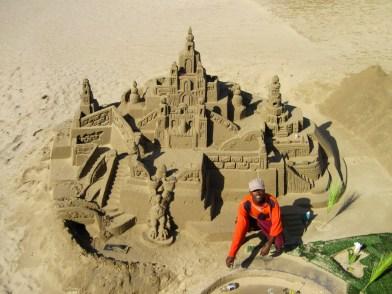Castillo de arena en la Milla Dorada de Durban, Sudáfrica