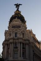 El edificio Metrópolis, ubicado en la esquina de la Gran Vía con calle Alcalá, Madrid, España