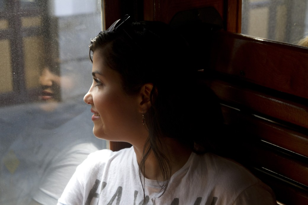 Disfrutando del paseo en el Tren de la Fresa entre Madrid y Aranjuez, España