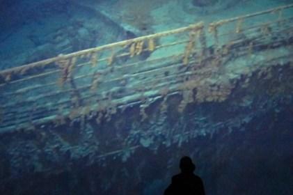 Una proyección del pecio del Titanic en el museo Titanic Belfast, Irlanda del Norte