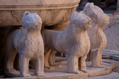 La fuente de los leones de la Alhambra, Granada, España
