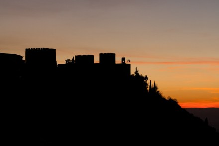 Silueta de la Alhambra al atardecer, Granada, España