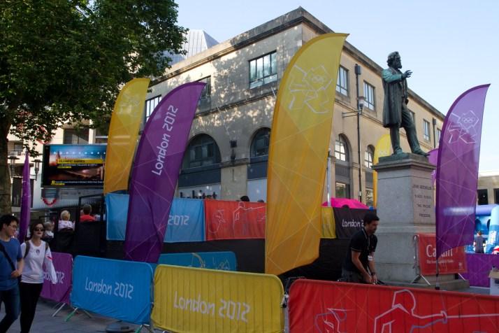 Pantallas en la calle durante las Olimpiadas de Londres 2012, Cardiff, Gales