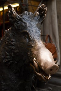 La escultura de un jabalí llamada Il Porcellino, Florencia, Italia