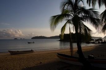 Una bonita mañana en el campamento de isla Coiba, Panamá