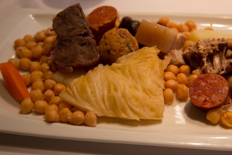 Cocido madrileño en Madrid, España