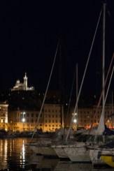 Antiguo puerto y Basílica de Notre-Dame-de-la-Garde, Marsella, Francia