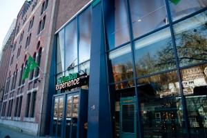 Exterior de Heineken Experience, Ámsterdam, Países Bajos