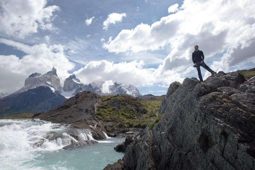 El Gran Salto entre el lago Nordenskjöld y el lago Pehoé, con Los Cuernos de fondo, parque nacional Torres del Paine, Chile