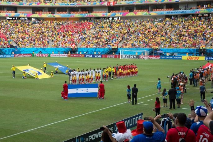 Ceremonia de inicio del partido entre Honduras y Suiza en la Copa del Mundo de la FIFA 2014, Manaos, Brasil