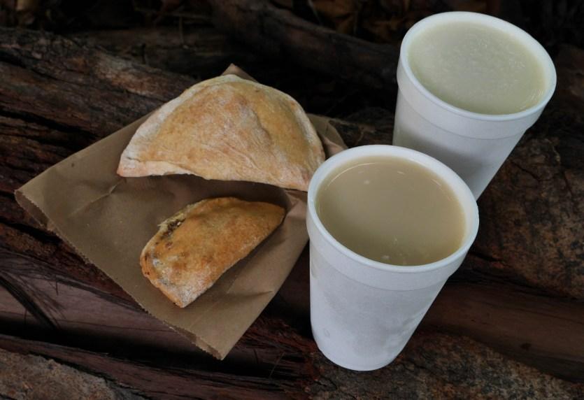 chicheme-leche-agria-y-empanadas