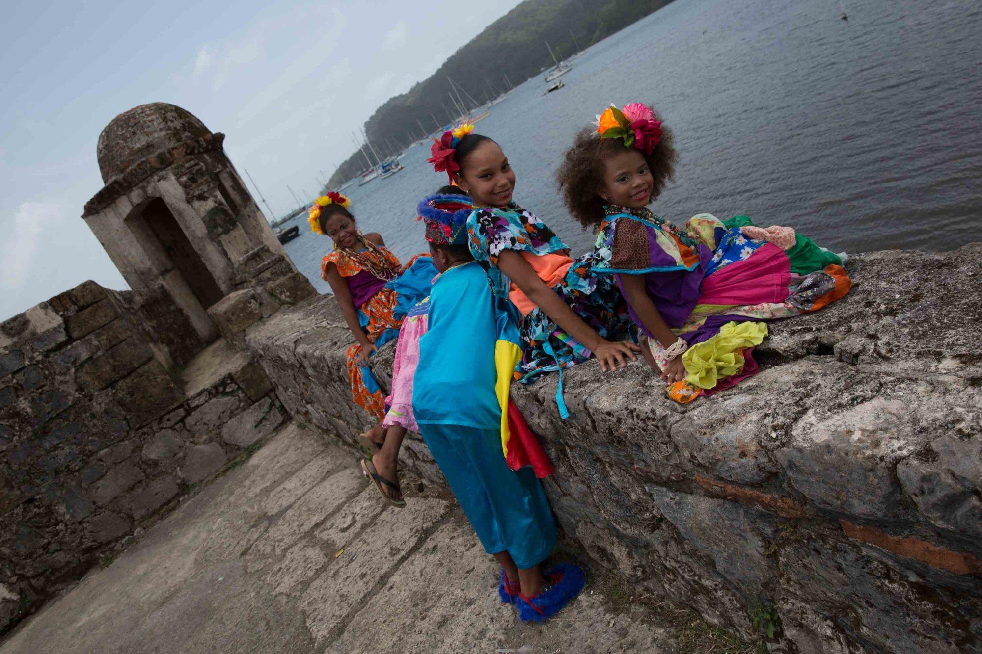 Pequeños congos en el fuerte San Jerónimo de Portobelo