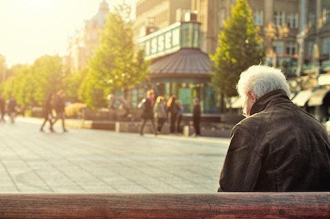 مرد سالمند کانادایی، قربانی کلاهبرداری عاشقانه اینترنتی 1