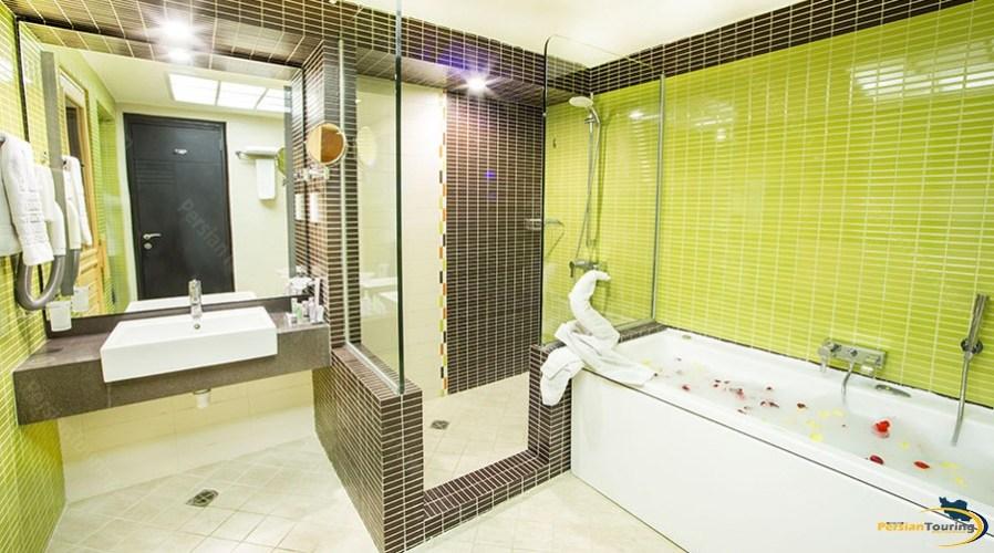 parsian-evin-hotel-tehran-grand-suite-2