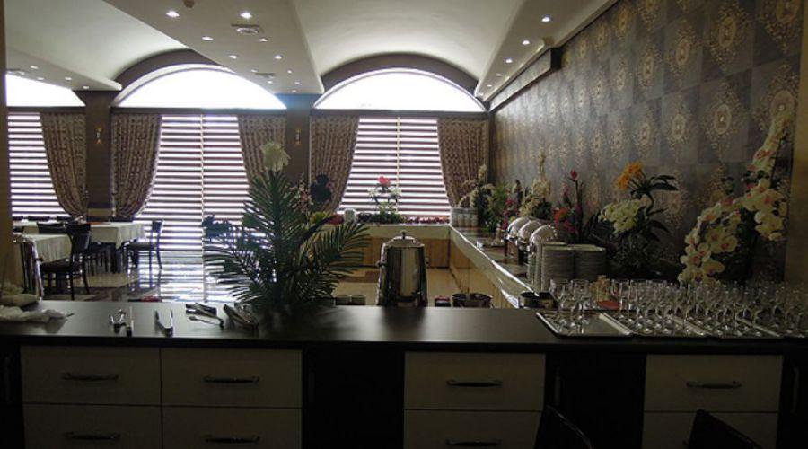 International Hotel Tabriz (1)