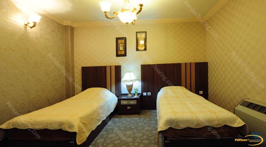 aseman-hotel-isfahan-twin-room-2