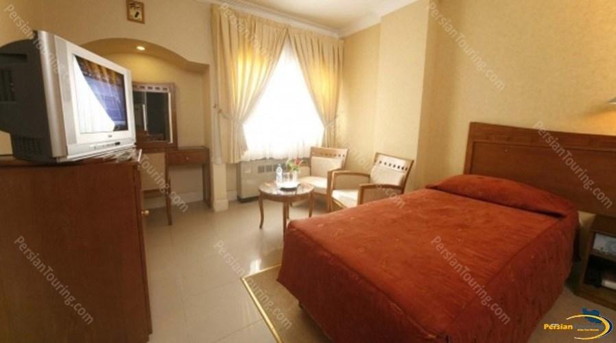 azadi-hotel-isfahan-single-room