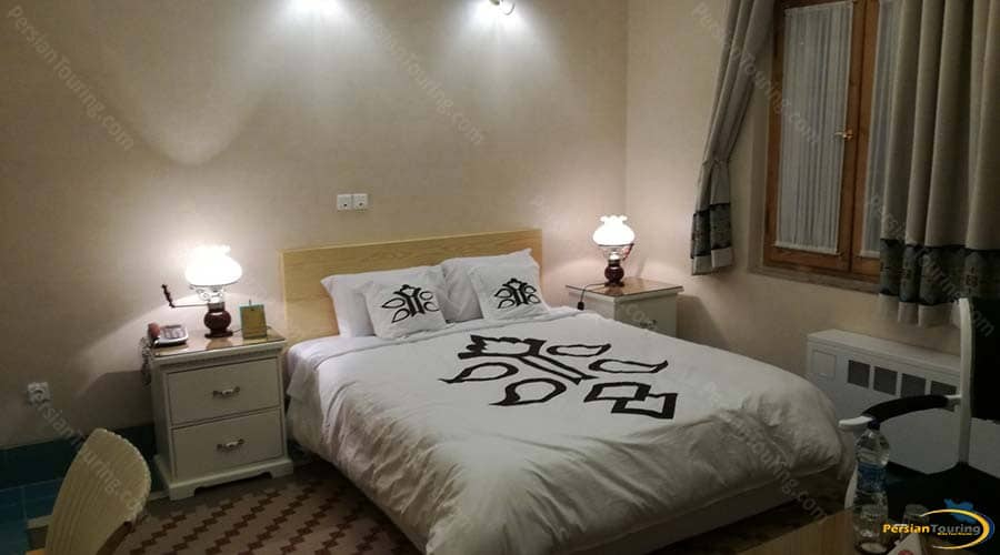 dad-hotel-yazd-double-room-2