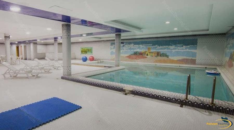 dad-hotel-yazd-pool-1