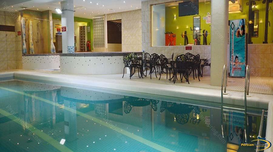 elysee-hotel-shiraz-pool-2