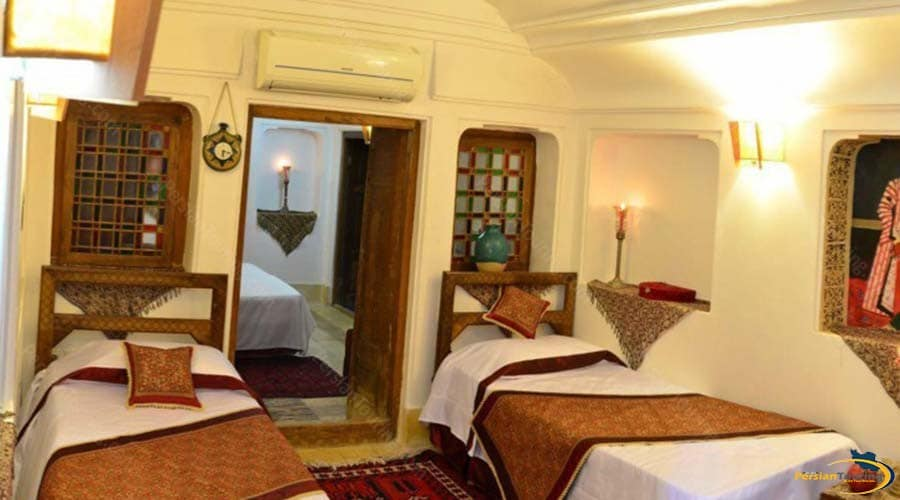 fahadan-museum-hotel-yazd-quadruple-room-1