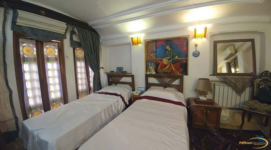 fahadan-museum-hotel-yazd-twin-room-1