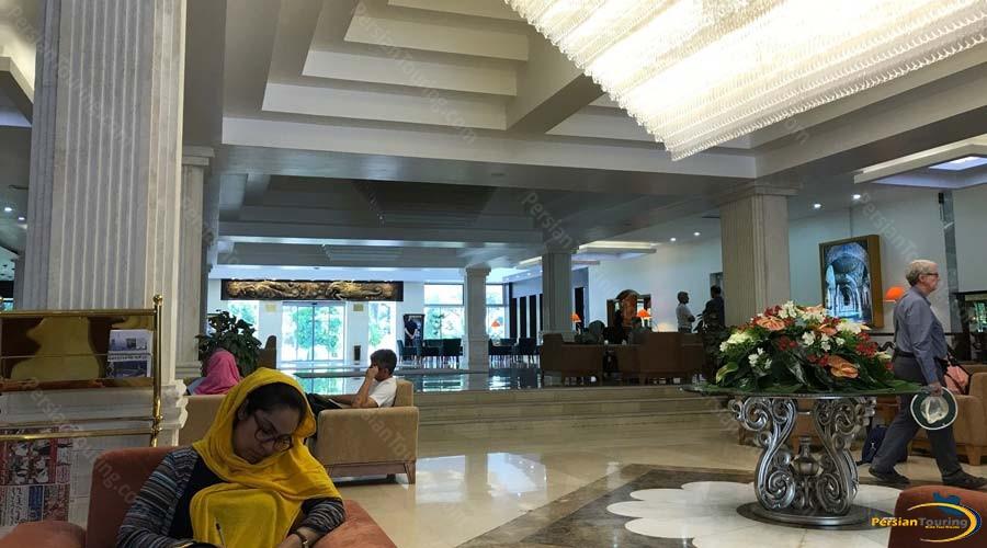 homa-hotel-shiraz-labby-1